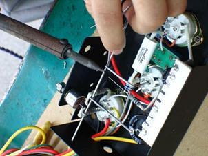 电烙铁的基本使用技巧及教程